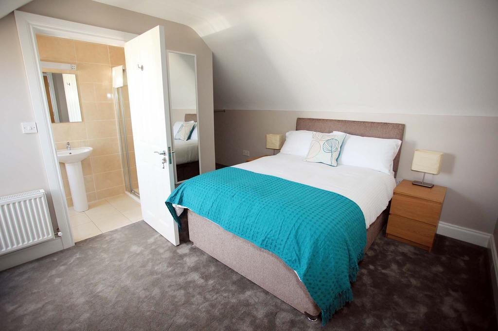 Cahermaclanchy House Doolin B&B ensuite bedroom