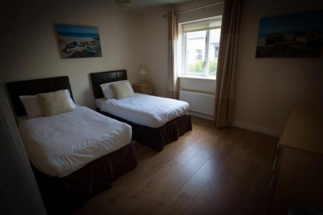 Doolin Village Lodges bedroom 1