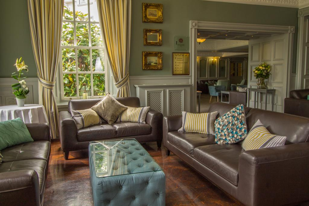 bunratty castle hotel reading room