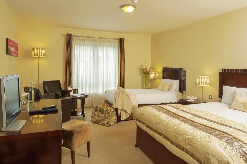 hotel doolin double bedroom