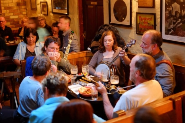 food drink and music in doolin