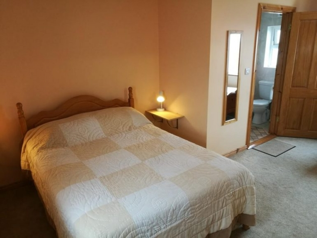 Danubio Doonbeg self catering bedroom