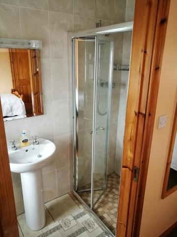 Danubio Doonbeg bathroom