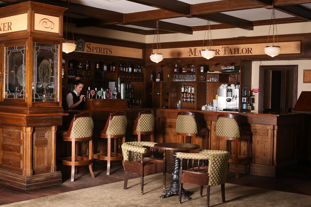 Auburn Lodge Ennis Hotel Bar