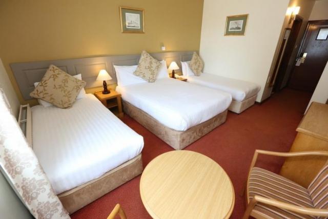 Auburn Lodge Ennis Bedroom 2