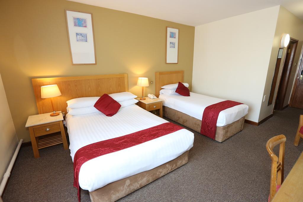Auburn Lodge bedroom 1