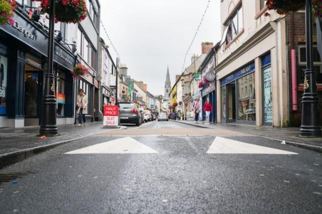 Ennis Street