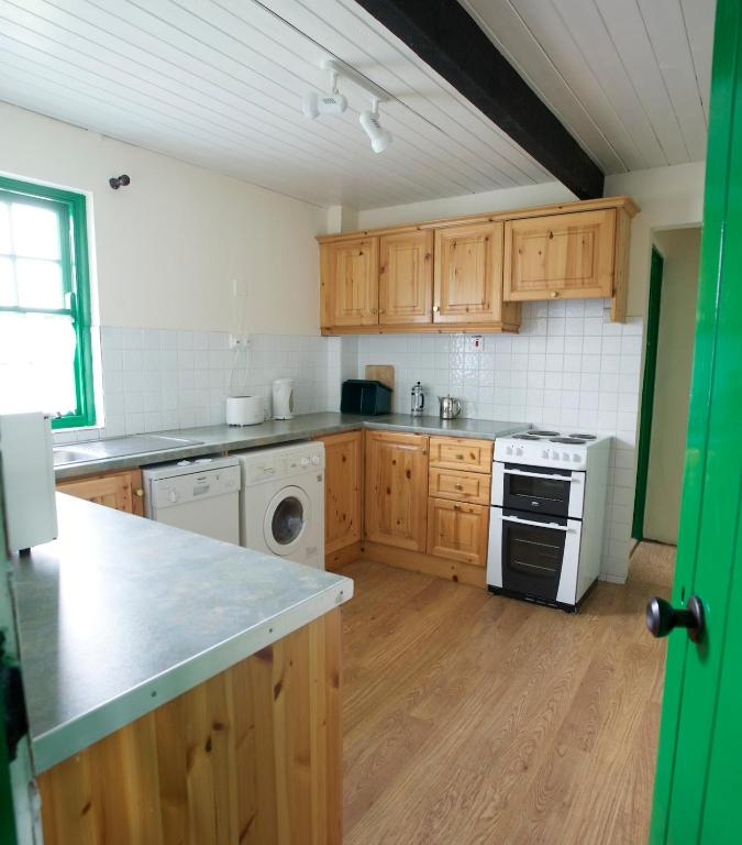 ballyvaughan self catering cottages kitchen