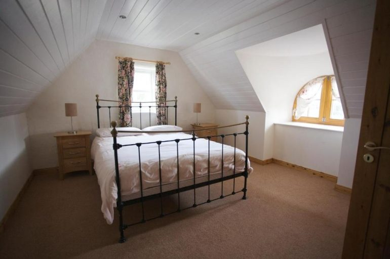 ballyvaughan self catering cottages bedroom 1