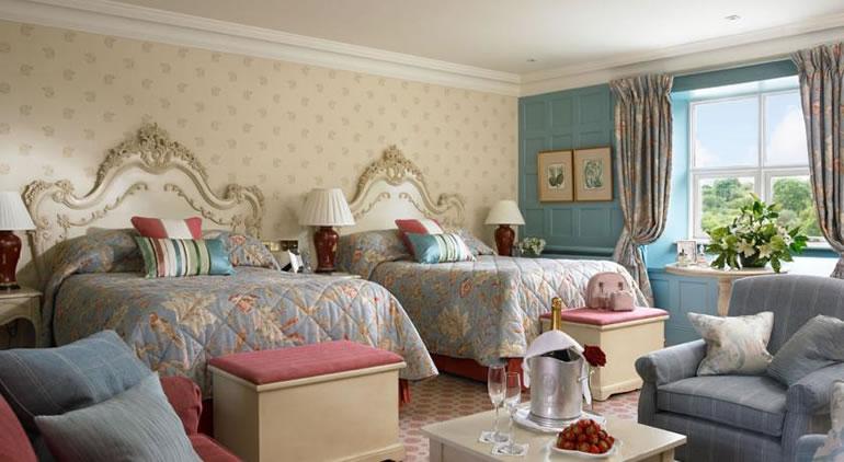 bedroom luxury hotel in clare