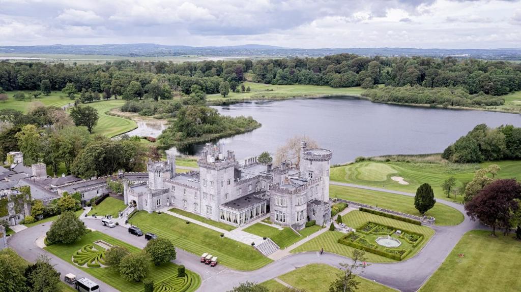 luxury hotel in Clare - Dromoland Castle Hotel