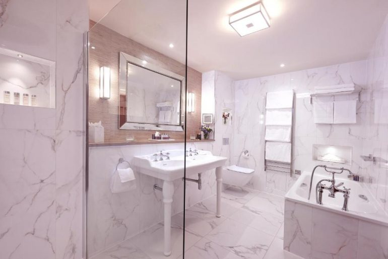 bathroom at luxury hotel in clare